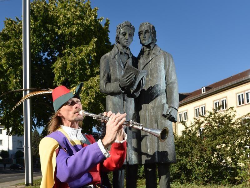 Mit Festen Ausstellungen Theater Und Kunst Feiert Die Deutsche