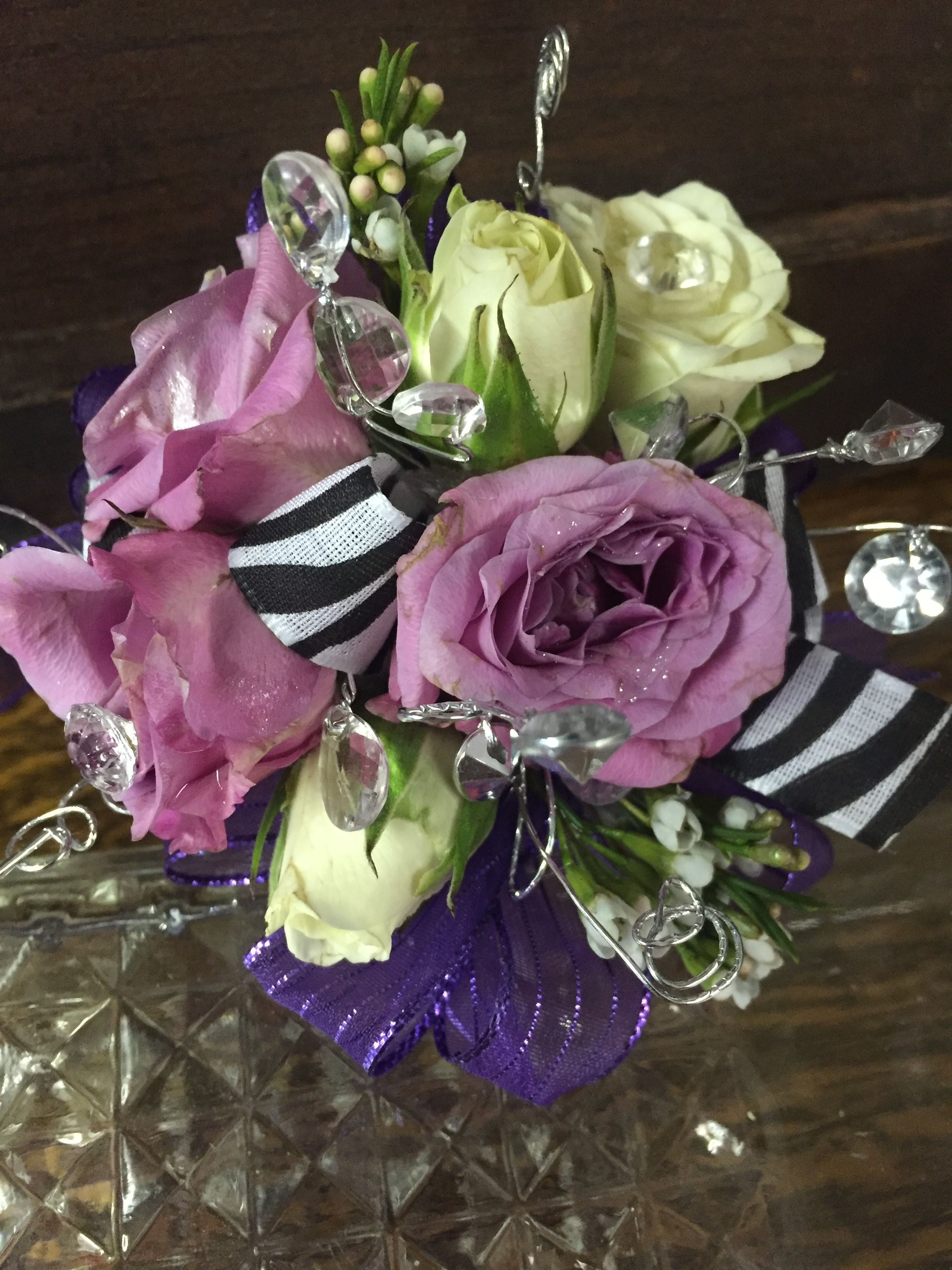 Lavender And White Roses Wrist Corsage Blooms And Collectibles