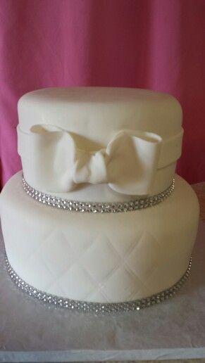 Wedding cake #mainstreetcakeshoppe #weddingcake