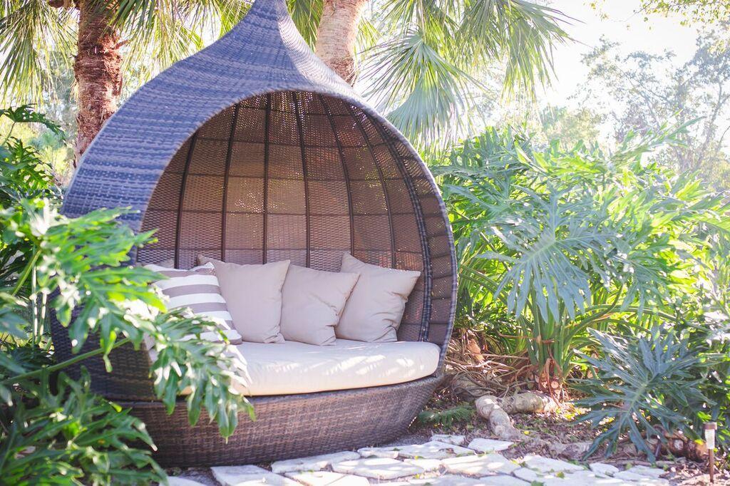 Zuo Martinique https://barefooteddesigner.wordpress.com/2015/12/17/outdoor-oasis/