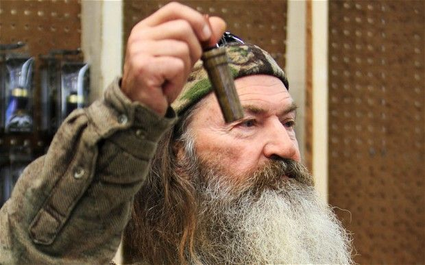A&E reverses decision on Duck Dynasty patriarch Phil Robertson - http://news54.barryfenner.info/ae-reverses-decision-on-duck-dynasty-patriarch-phil-robertson/