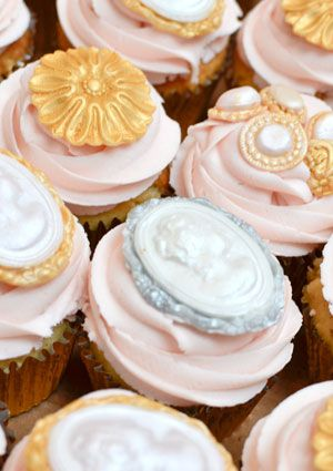 From Rosalind Miller - Cameos and Jewels Cupcakes #weddingcupcakes ...