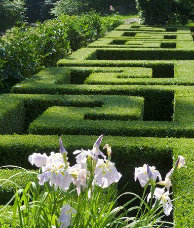 Madabout Garden Design: U201c Boxwood U201cGreek Keyu201d Parterre Provides A Sober
