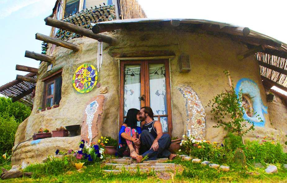 L\u0027éco-dome ou super Adobe, la maison à moindre coût ! House doors