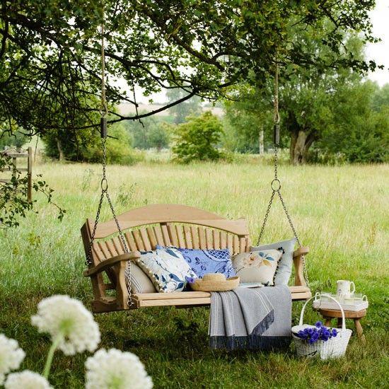 gartenschaukel baum holz schaukel picknick decke garten. Black Bedroom Furniture Sets. Home Design Ideas