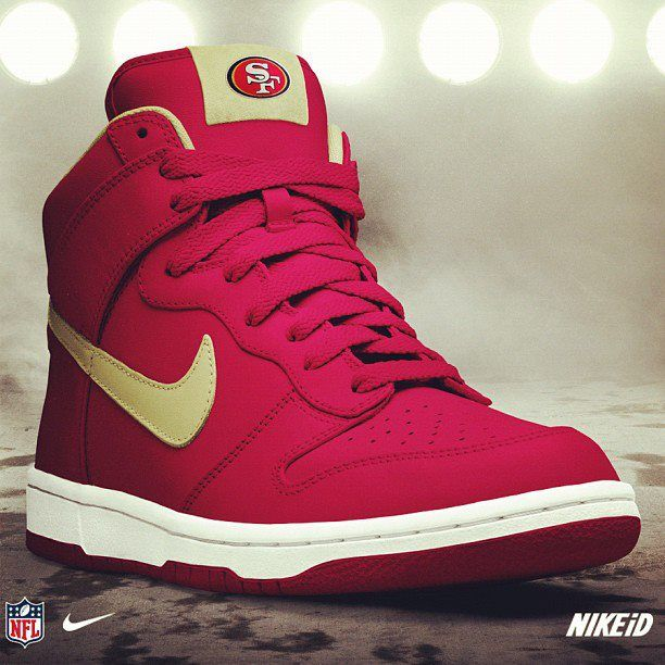 Customize your 49ers Nike Dunk NFL iD size 10 for the babe or 8 1 2 for my  younger brother b2b89e059