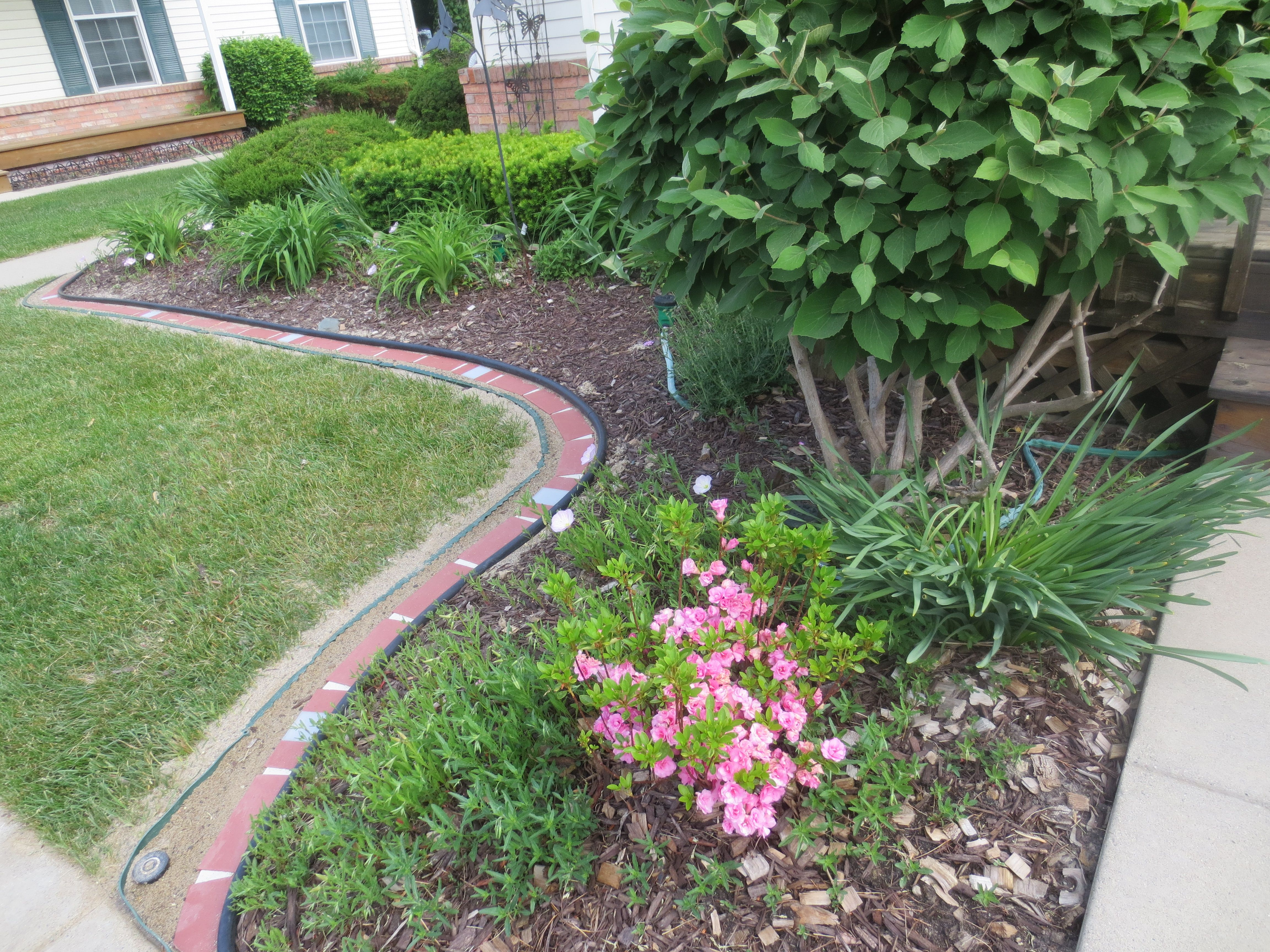 Perfect With And Without Solar Lights Decorative Plastic Brick Edging Lets Edge It Ideas