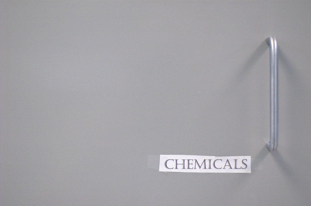 https://flic.kr/p/5y9rdJ | Chemicals | (Chemicals)