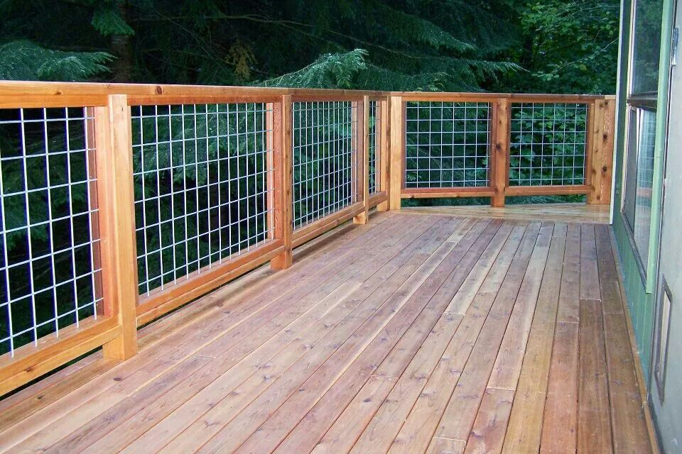 Cedar deck and hogwire rail | Wire deck railing, Deck ...