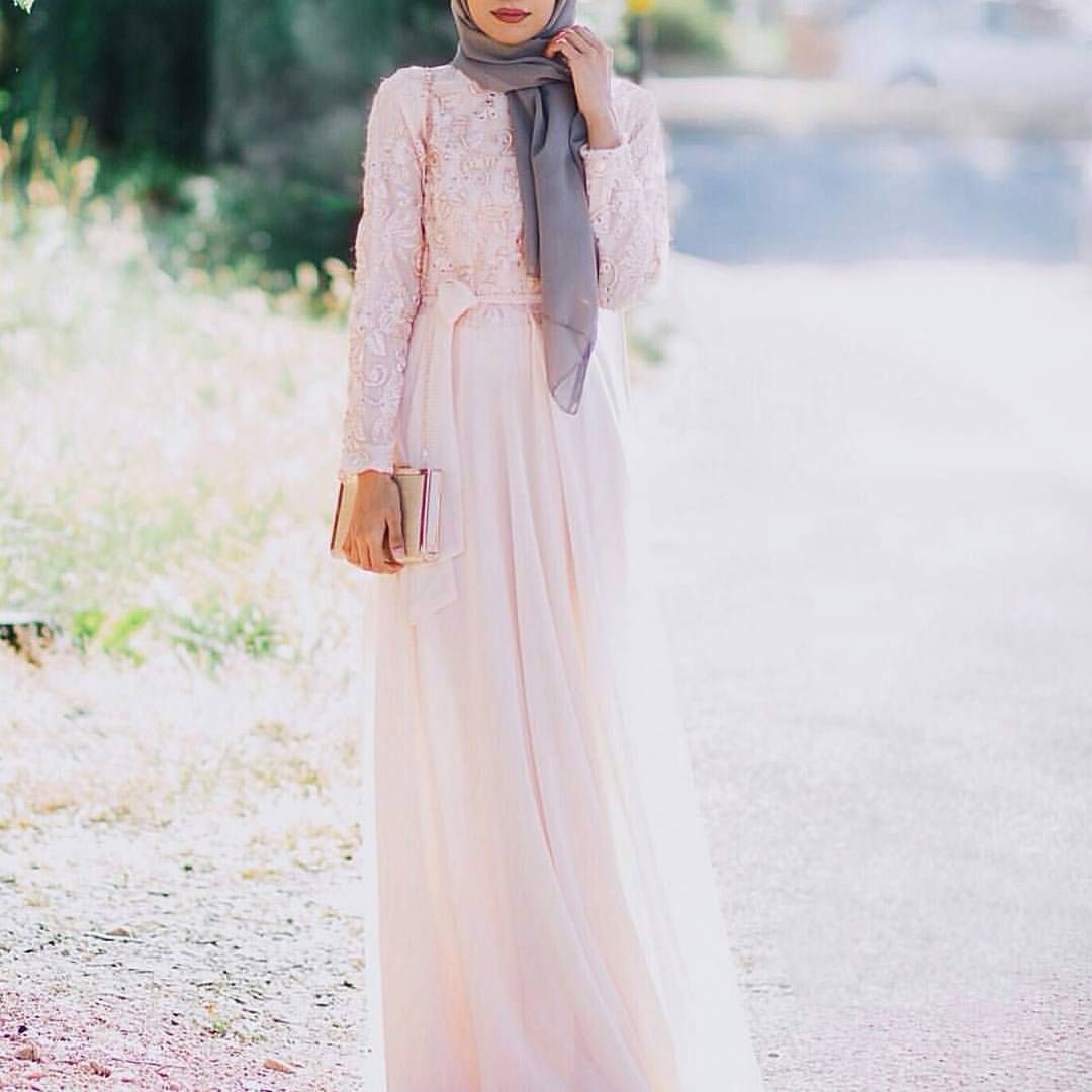 Photo of Instagram post by 👸 hijab style icon 👸 • Jan 8, 2017 at 3:11 am UTC