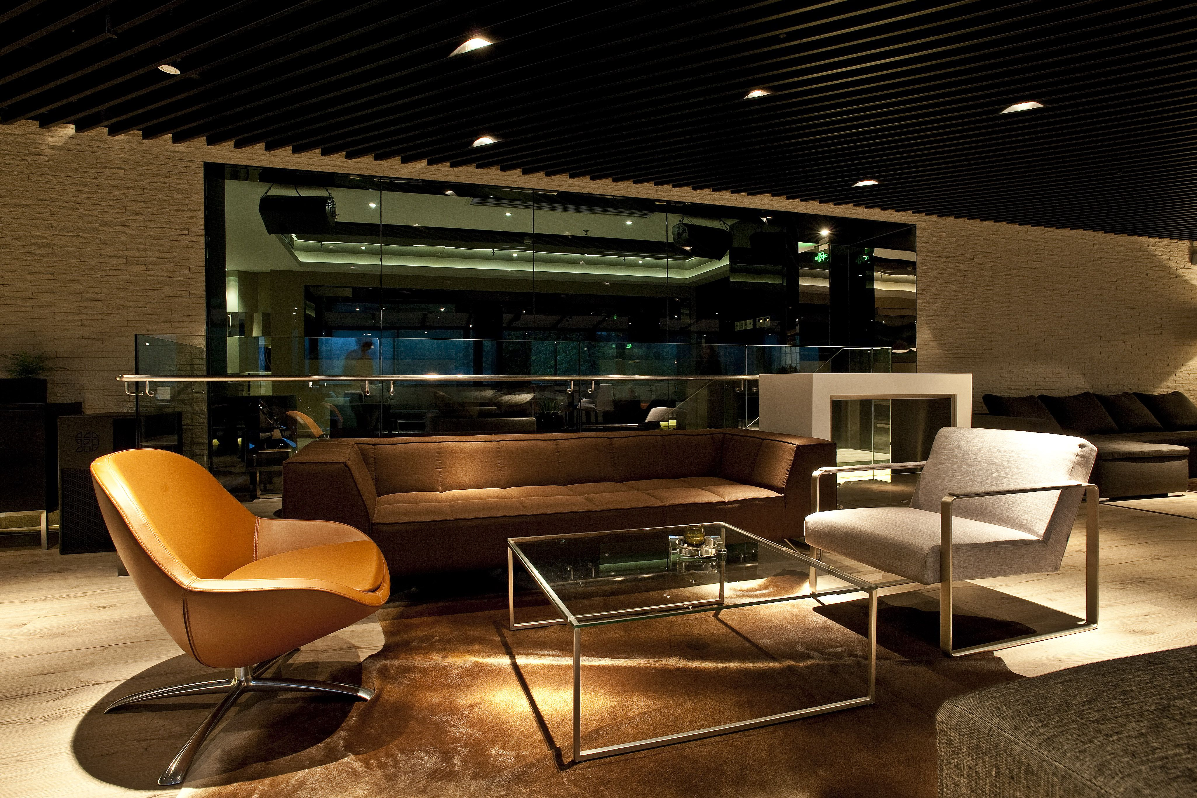 Milos Bedroom Furniture Boconcept Milos Sofa Ross And Veneto Chairs In Muse Vip Lounge