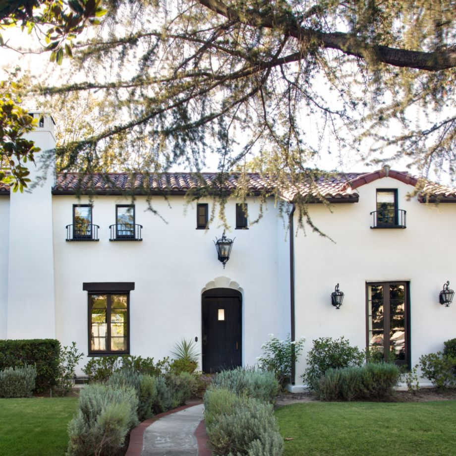Spanish Style Houses Exterior: 40 Spanish Style Exterior Paint Colors You Will Love