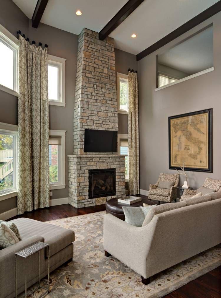 Gut Taupe Wandfarbe Und Kamin Steinverkleidung Im Wohnzimmer