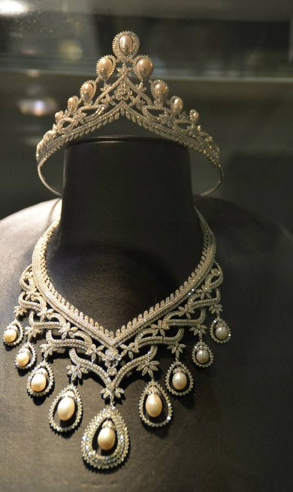 1de35611d Diamond and Pearl Tiara and Necklace at the Doha Jewellery and Watches Expo