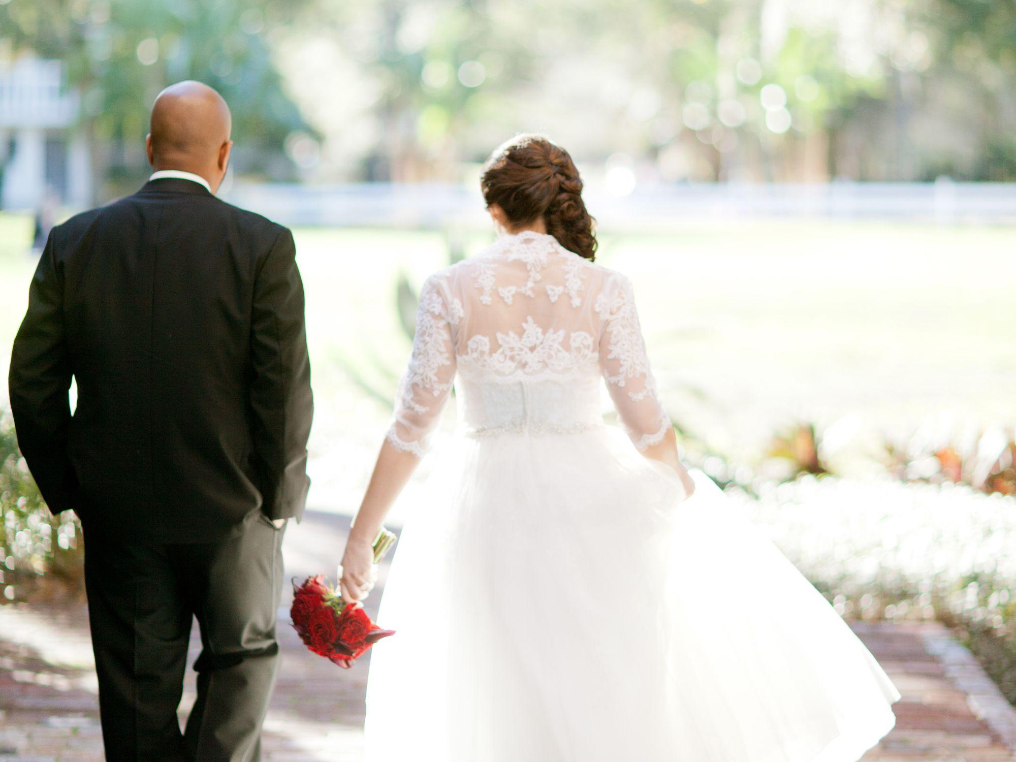 10 Hot Wedding Video Ideas Wedding Videos Wedding Video Wedding Videography