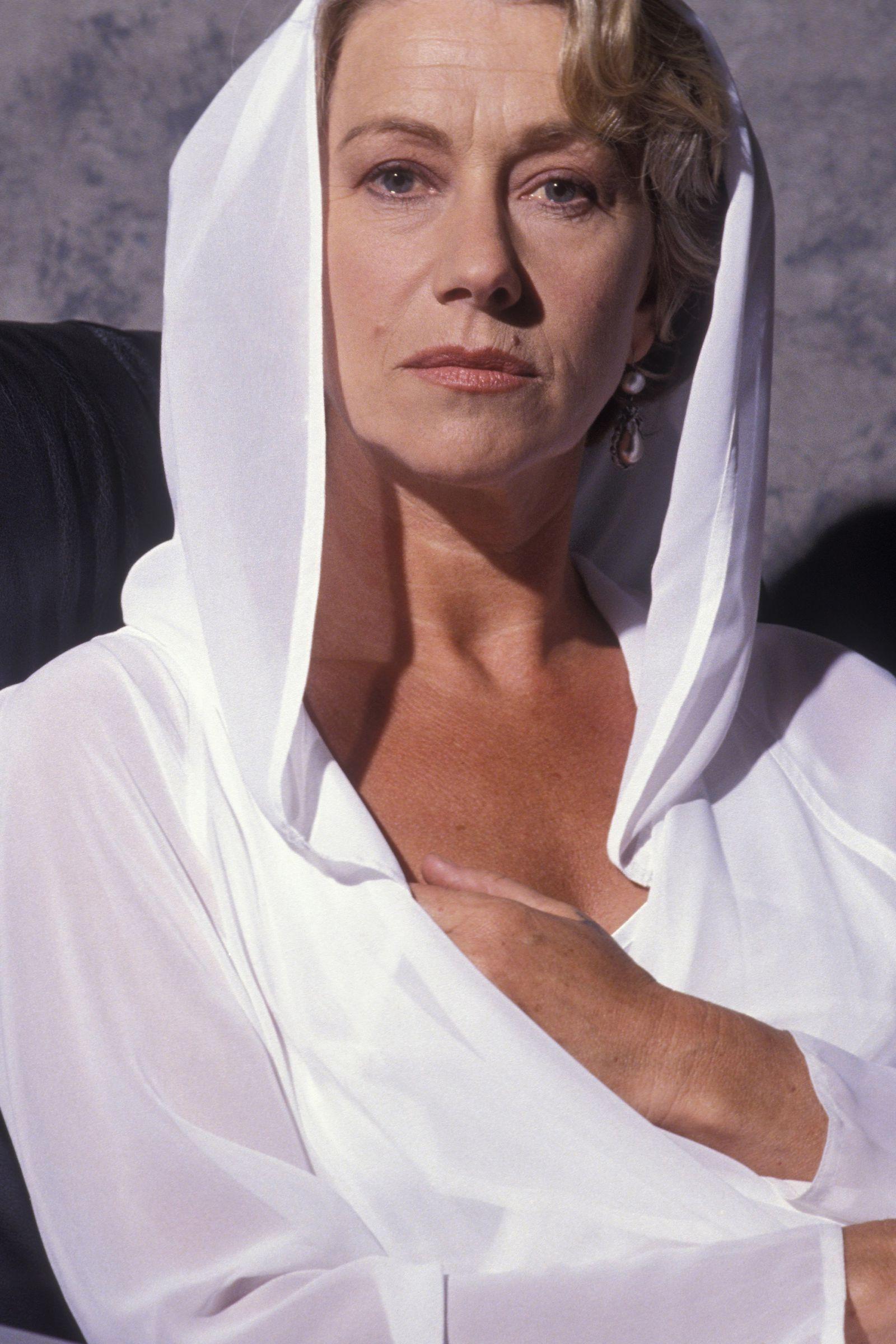 Rare Throwback Photos Of Helen Mirren Helen Mirren Dame Helen