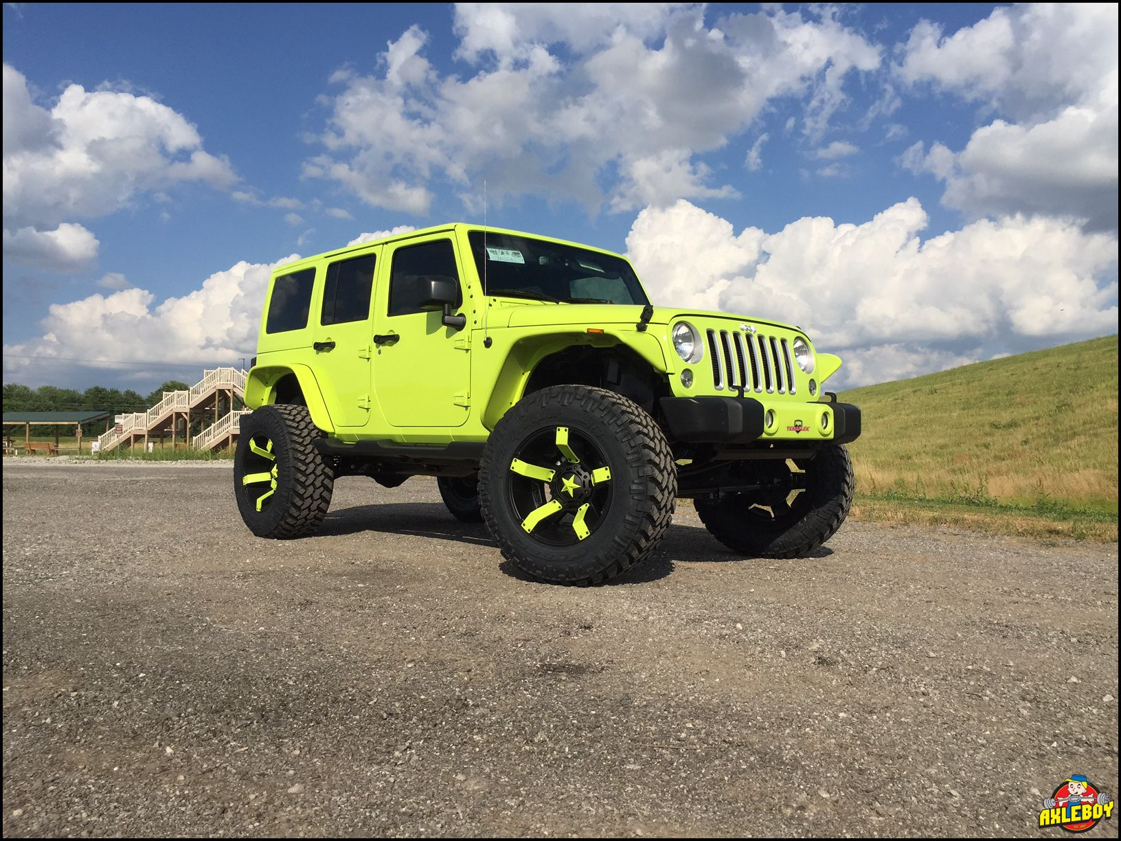 lime green jeep - HD1632×1224