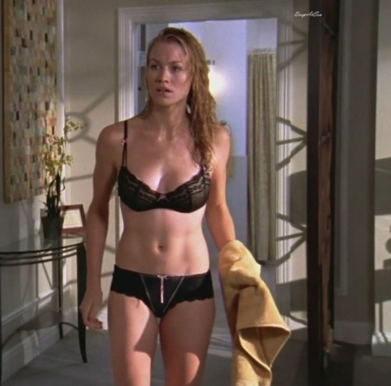 image Yvonne strahovski chuck panties