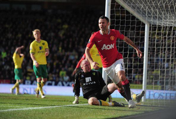 Ryan Giggs Photos Photos Norwich City V Manchester United Premier League Manchester United Premier League Ryan Giggs Football Photos