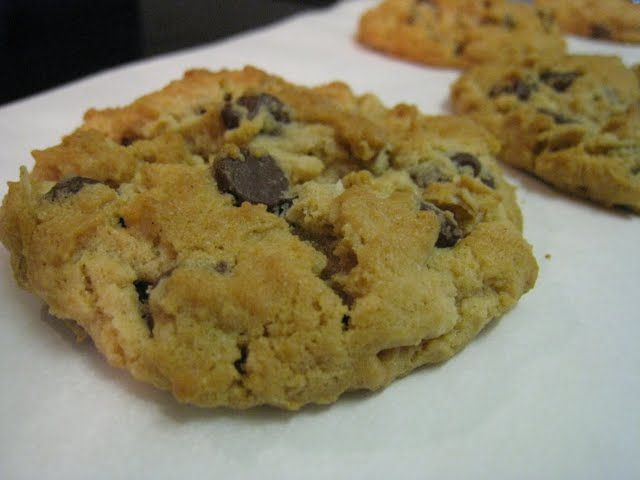 The Piggly-Wiggly... Culinary Adventures from a Kitchen in Cincinnati: Peanut Butter-Oatmeal Chocolate Chip Cookies