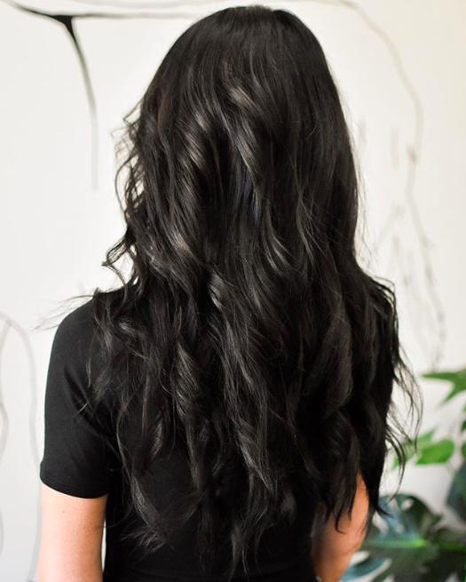 Graue Haare bei schwarzen bzw sehr dunklen Haaren - was