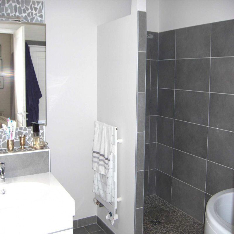 28 Idee Salle De Bain Couleur 2019 Bathroom Colors Bathroom Vanity Design