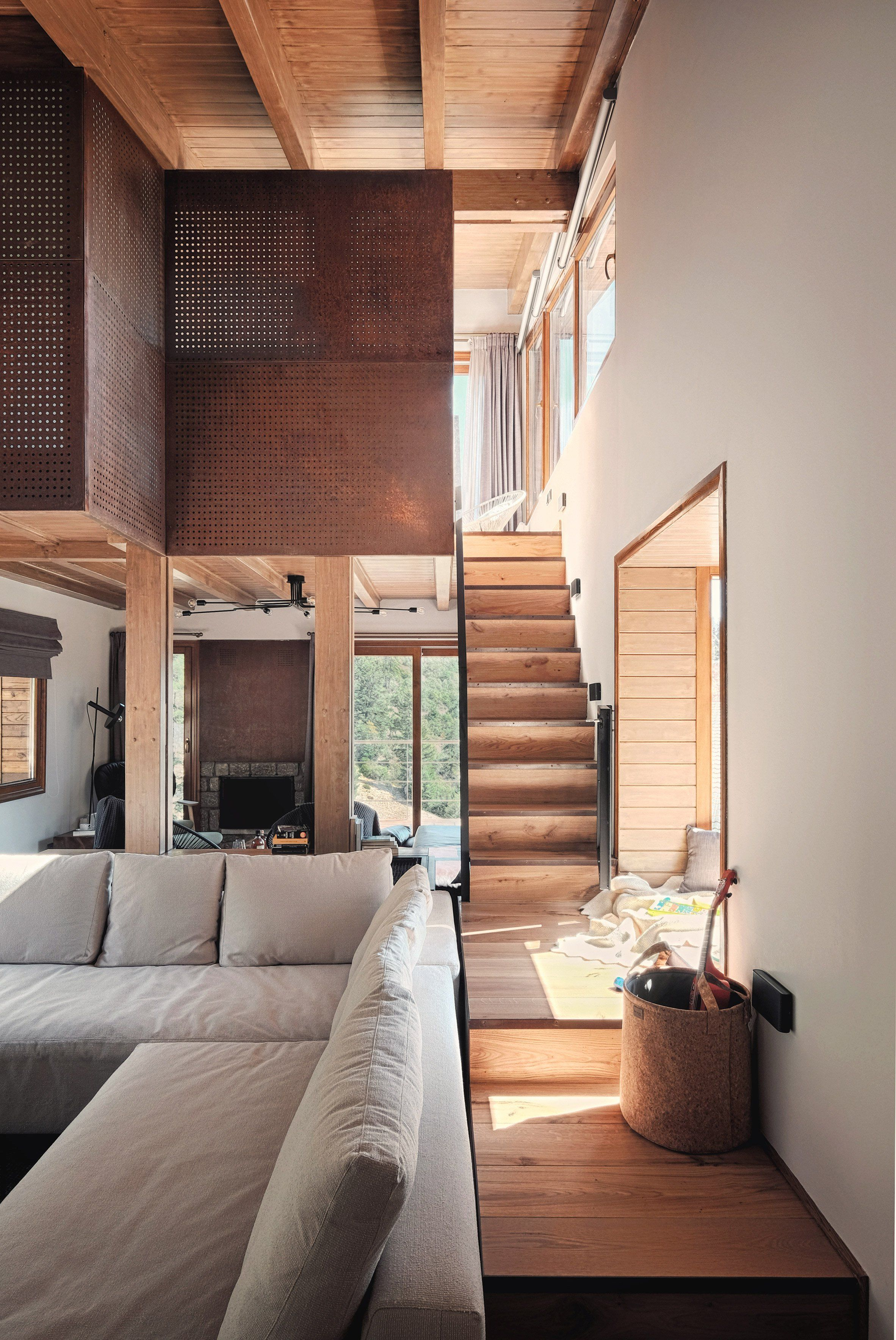 Chalet by Kokosalaki Architecture | Belmont guest house | Pinterest on indian mountain homes, european mountain homes, moonlight mountain homes, swiss mountain homes, asian mountain homes, modern mountain homes, canadian mountain homes, chinese mountain homes,
