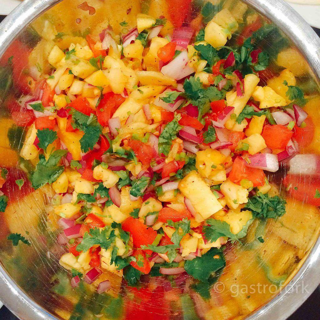 easy pineapple salsa recipe