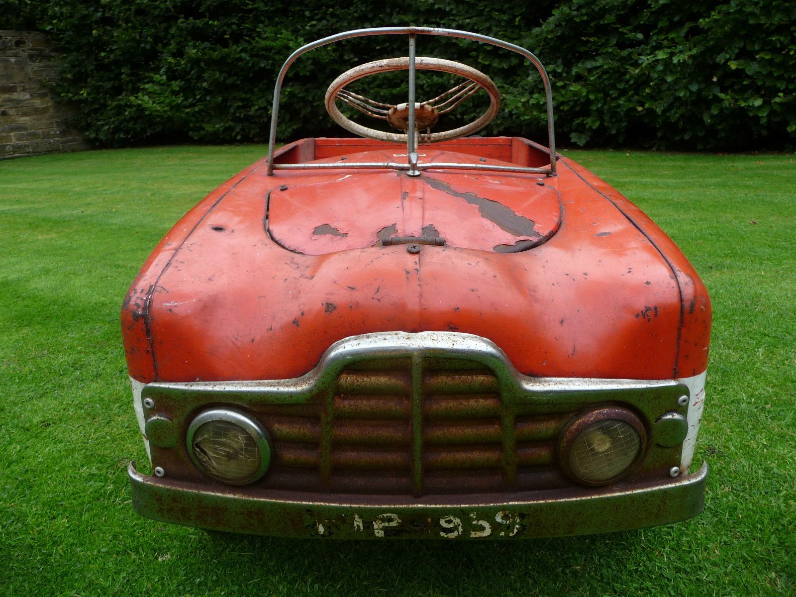 1950s Rare Tri-ang Zephyr Duotone Pedal Car Barn Find - http://www ...