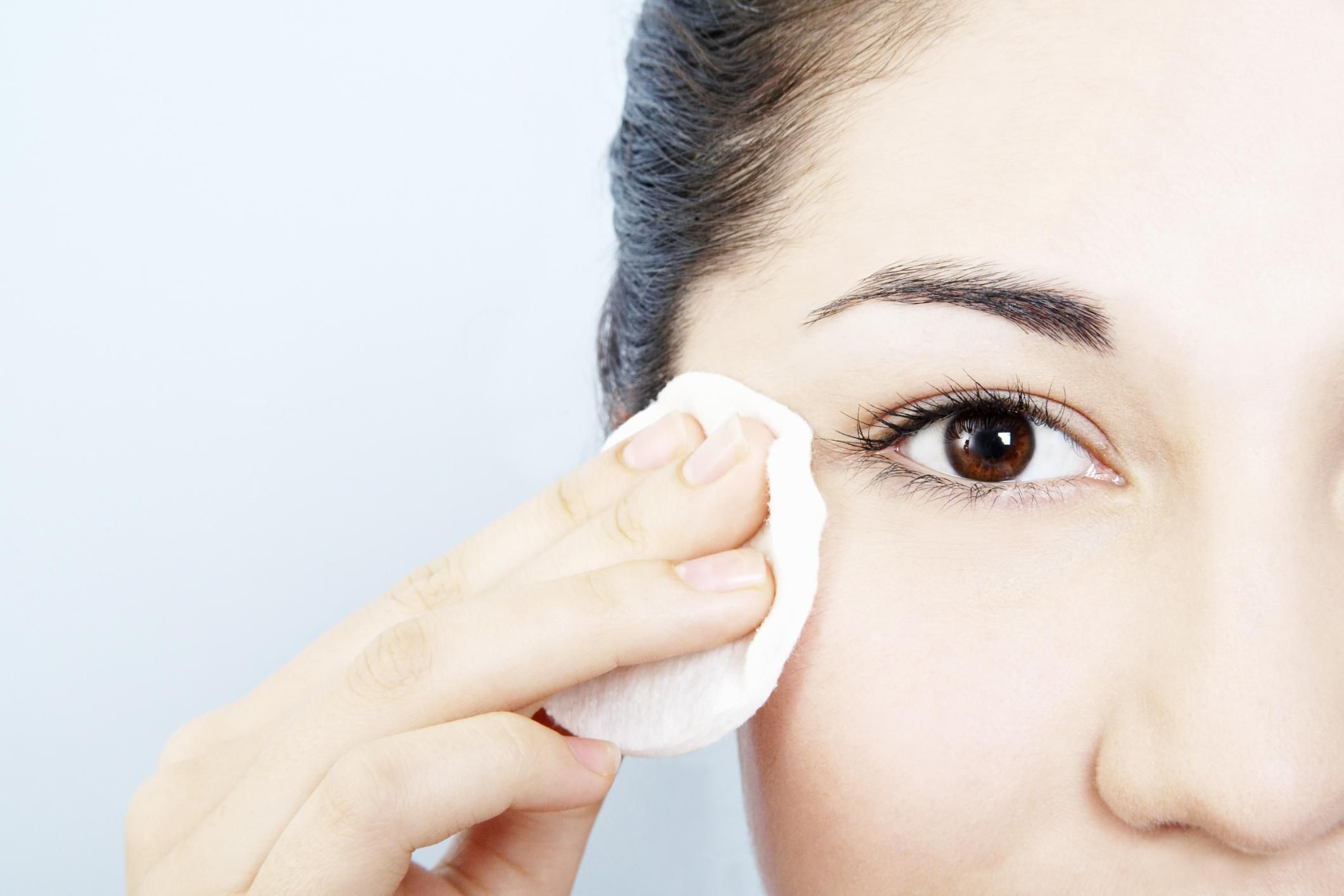 Easy Ways You Can Avoid Getting Styes Eye makeup remover