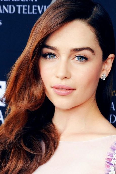 Emilia Clarke ♥ Just tell me who wouldn't kill to look like her?!