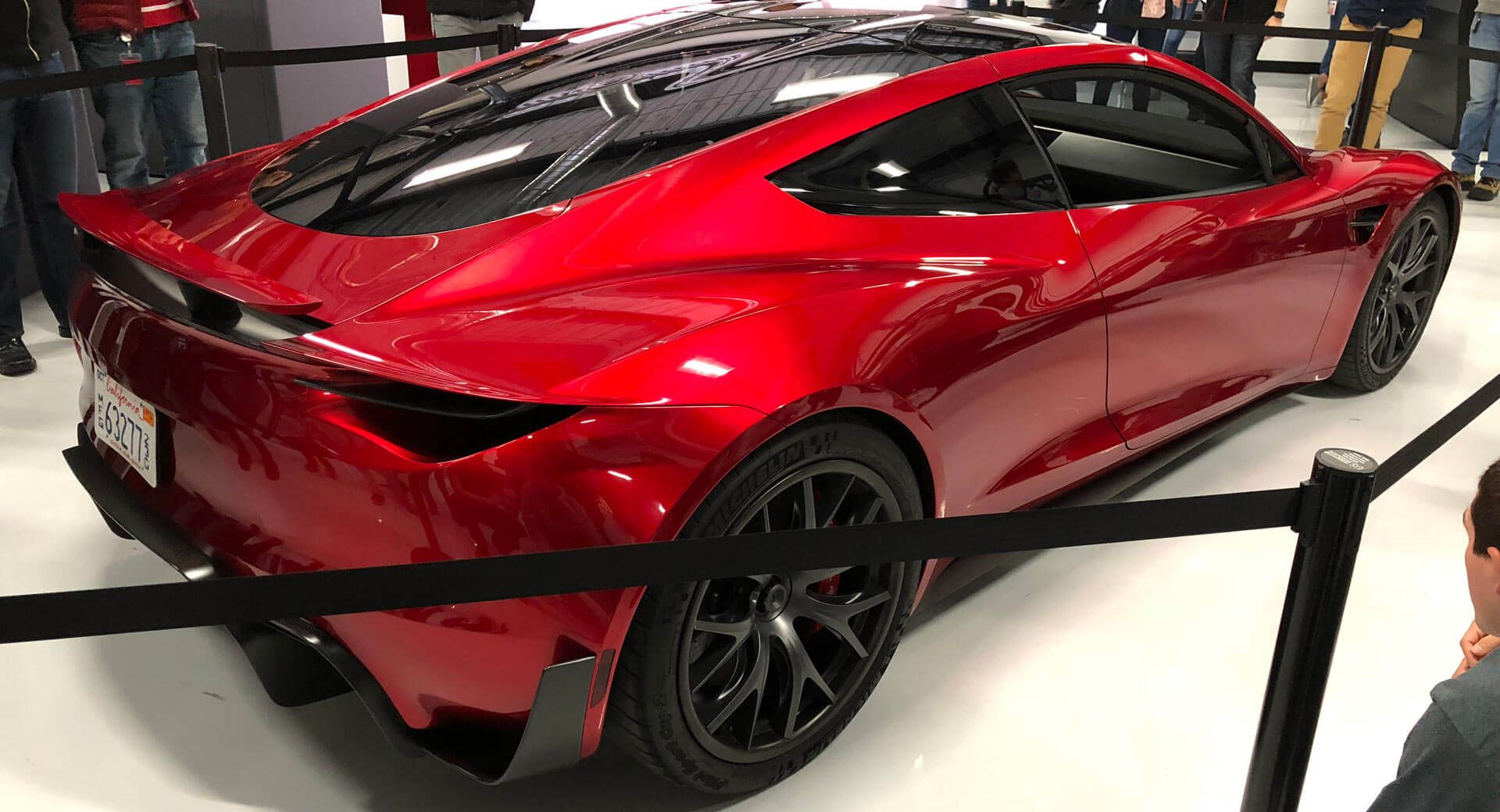 New Tesla Roadster Looks Simply Stunning Under The Right