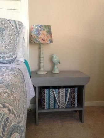 Vintage simple bench nightstand do it yourself home projects from vintage simple bench nightstand do it yourself home projects from ana white solutioingenieria Images