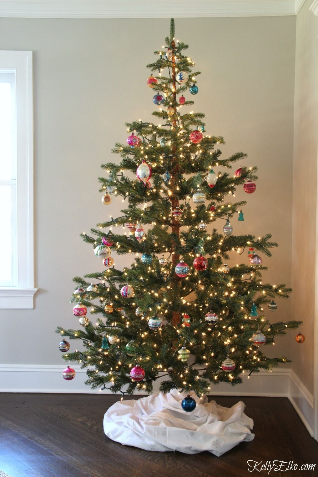Sparse Christmas Tree Decorating.Sparse Christmas Tree And Vintage Shiny Brites Christmas