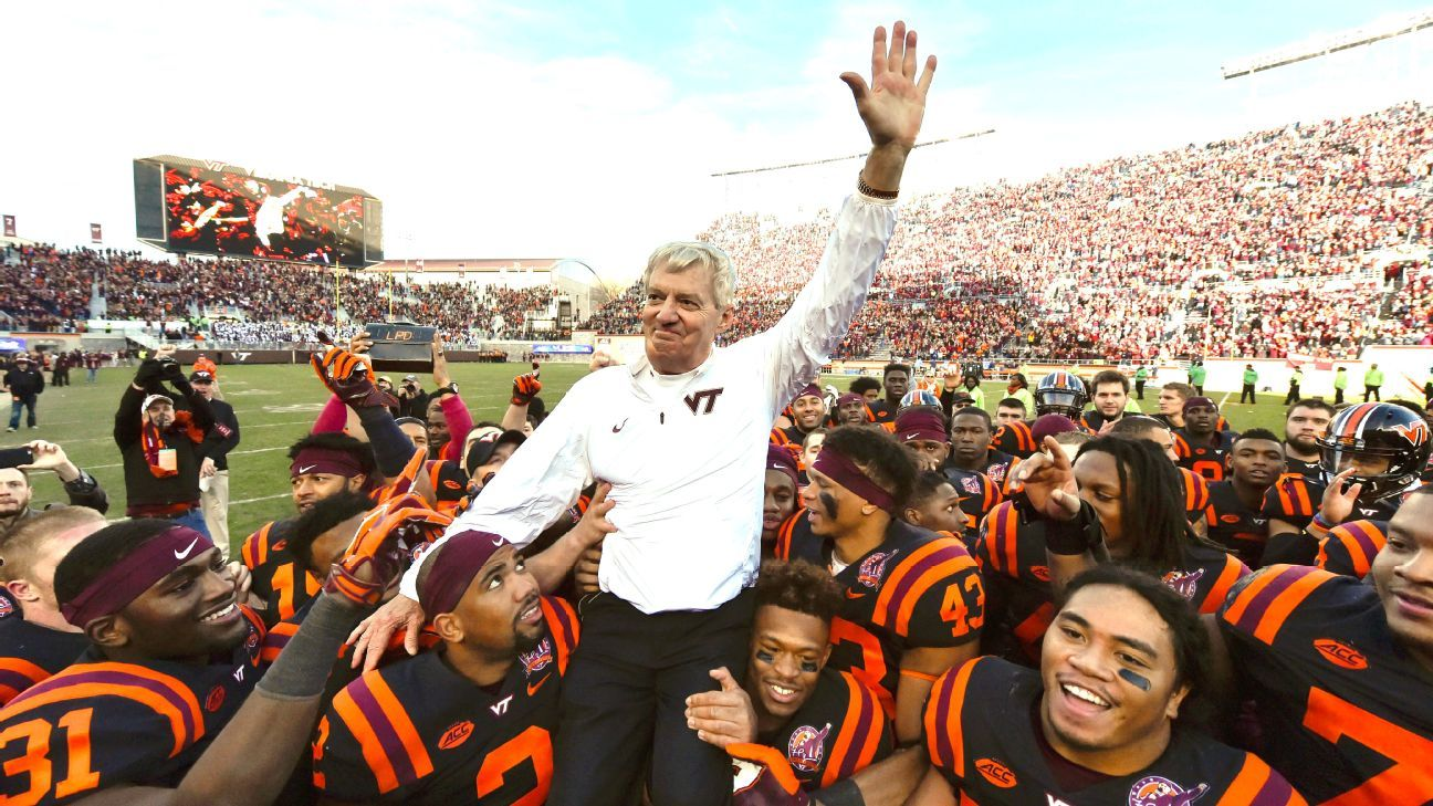 Metallica offered special message to Frank Beamer before