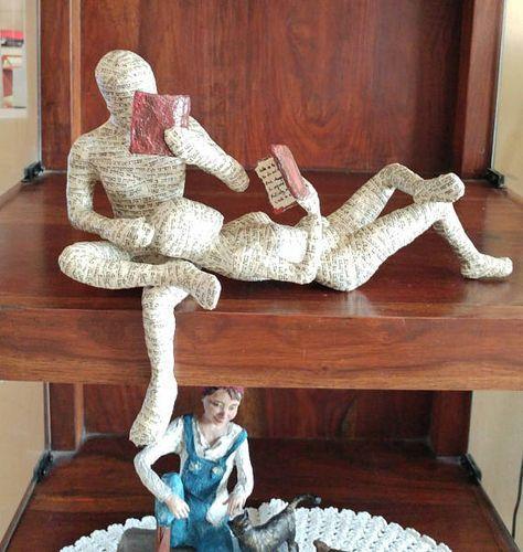Photo of Pappmaché-Skulptur, lesendes Paar, lesende Frau, lesender Mann, bibliophiles Geschenk, Art Deco, OOAK-Skulptur