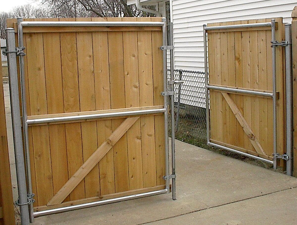 Use Chain Link Posts For Wood Driveway Gates Google Search Wood Gates Driveway Wood Fence Gates Modern Fence Design