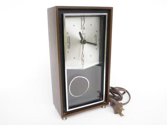 Vintage Electric Clock with Pendulum Sunbeam USA by WildPlumTree, $18.00