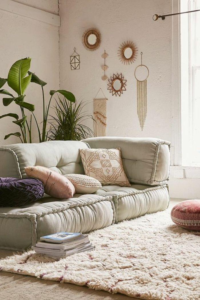Awesome deko orientalisch weiches sofa mit vielen kissen mandala muster deko wanddeko spiegel schmuck teppich