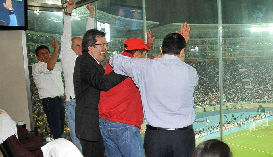 FOTOS: la euforia de Ollanta Humala en el triunfo de Perú sobre Ecuador