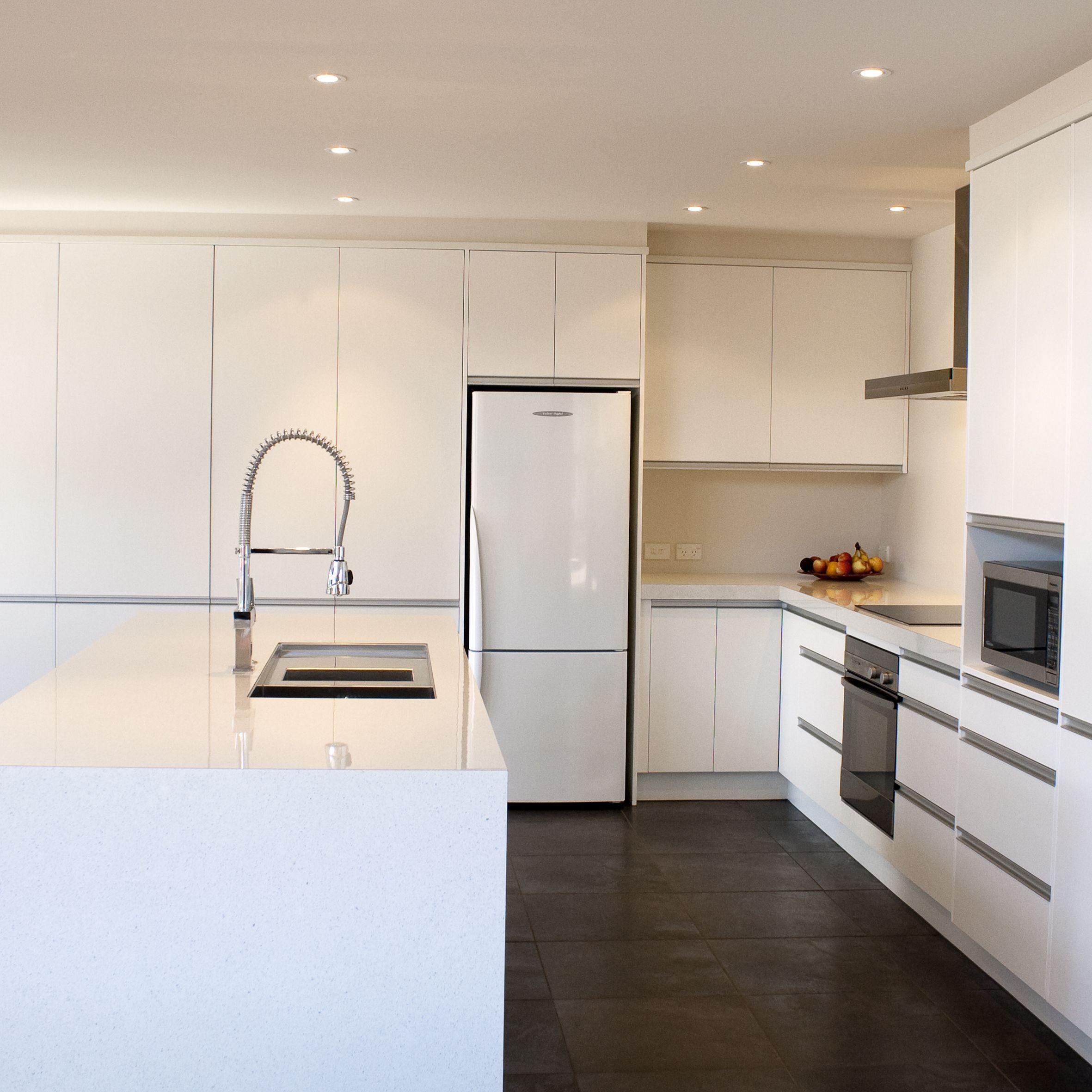 Melteca Kitchen With Long Aluminium Handles