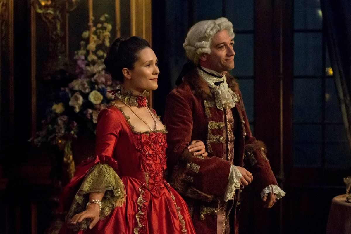"Here are 14 new HQ stills of Outlander Episode 2×04 ""La Dame Blanche"" More after the jump! –"