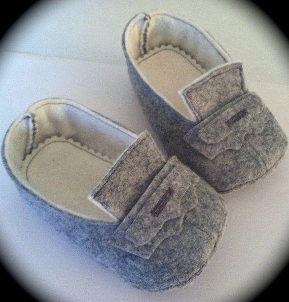 de5ea82f6 Felt Baby Shoes Light Grey by TheLittleLambandLion on Etsy