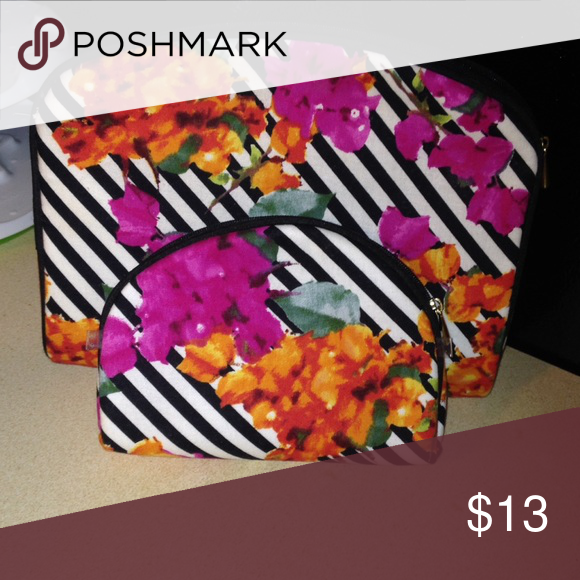 Cosmetics bag set! Beautiful pattern! Perfect for one in your purse and one at home if your OCD like me and like everything to match! Makeup Brushes & Tools