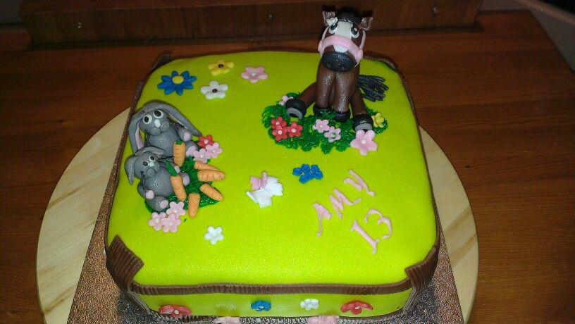 Paardje en konijntjes