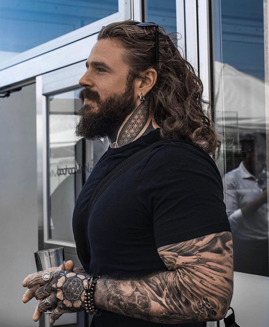 Long Haired Men On Instagram Who Wants Another Tattoo Model Thecreekman Coiffure Homme Long Coiffure Homme Coiffure