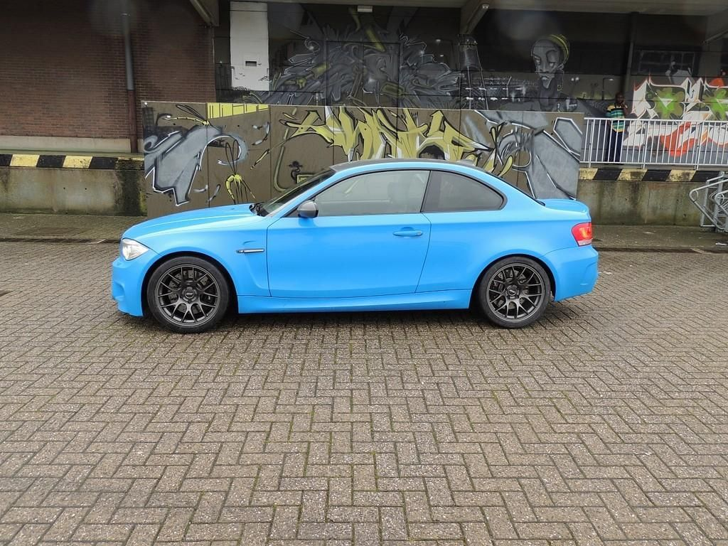 Twitter bmwblog bmw 1m in blue color