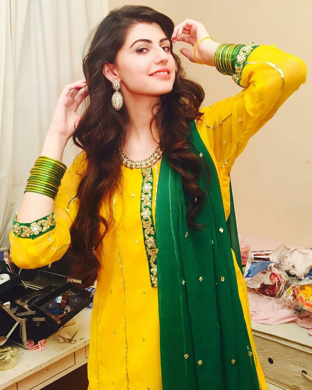Anam Gouhar Pakistani hot actress