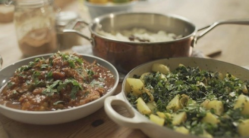 Matt tebbutt chicken curry with saag aloo recipe on save money good matt tebbutt served up a tasty chicken curry with saag aloo and pilau rice for the evans family on save money good food this money saving meal came in at forumfinder Choice Image