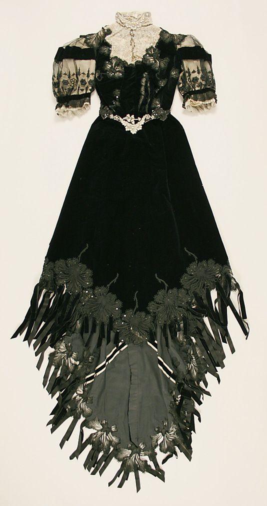 Dress Date: ca. 1901 Culture: French Medium: silk. Front